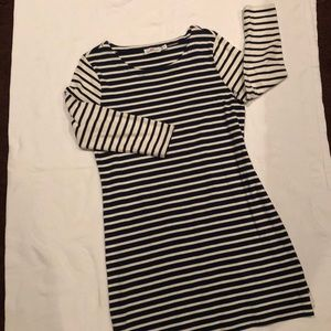 Vineyard Vines mix navy/off white striped dress